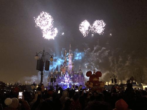shanghai-disney-fireworks-show